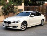 BMW 320i  F30  Sedan รถเก๋ง 4 ประตู ปี 2014
