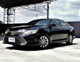2015 Toyota Camry  2.0G Mnc Auto สีดำ