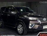 2020 Toyota Fortuner 2.8 V รถเก๋ง 5 ประตู