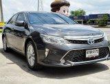 TOYOTA CAMRY 2.5 HYBRID AT ปี2015 สีเทา รถสวย พร้อมใช้งาน