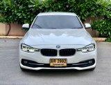 2016 BMW 320i Luxury รถเก๋ง 4 ประตู