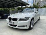 BMW 320i LCI V-Shape minorchange โฉม E90 ปี 2012 สีขาว