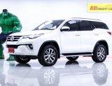 1O-19 Toyota Fortuner 2.4 V SUV สีขาว เกียร์ AT ปี2018