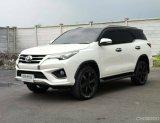 Toyota Fortuner Sigma4 2.8 TRD Sportivo 4WD TOP ปี2017 สีขาวมุก