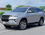 2015 Toyota Fortuner 2.8 TRD Sportivo 4WD SUV รถมือเดียวป้ายแดงออกห้าง รุ่นท๊อปสุด