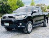 Toyota Hilux Revo 2.4 G Prerunner Top MT ปี2015  สีดำ เกียร์ธรรมดา