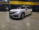 เข้าใหม่วันนี้ Honda Civic 1.8 E ปี2017 สีขาว ตัวท๊อปสุด ไมล์น้อย 5x,xxx km. .