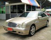 2001 Mercedes-Benz E240 Avantgarde sedan