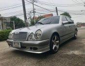 1996 Mercedes-Benz E240 Avantgarde sedan