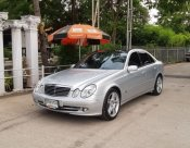 Mercedes Benz E200   Kompressor Avantgarde (w211) หลังคาแก้ว 2006