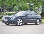 2001 Mercedes-Benz E200 Elegance sedan