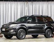 2015 Toyota Fortuner 3.0 V ออกรถง่ายฟรีดาวน์