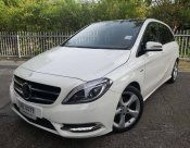 Mercedes Benz B180 hatchback 2013