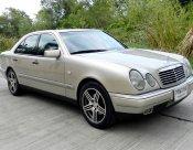 Mercedes-Benz 280E 2001 sedan