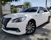 2013 Toyota Crown Hybrid Royal Saloon sedan