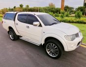 2013 Mitsubishi TRITON DOUBLE CAB PLUS pickup