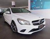 Mercedes-Benz  CLA180 Urban สีขาว 2014