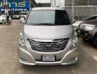 Hyundai H 1 2.5 Deluxe ปี 2011