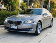 2013 BMW 520i SE sedan รถมือเดียว ใช้งานน้อย 94,xxx km เท่านั้น สีพิเศษ แชมเปญ หาอยากมากครับ