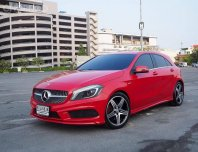 Benz A250 รถมือเดียว สีแดงเฮงๆ ภายใน A250 AMG Sport