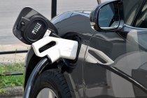 EA ANYWHERE ประกาศ ค่าชาร์จรถไฟฟ้า 6.50 บาท/kWh เพิ่มอีก 35 จุดในกรุงเทพฯ