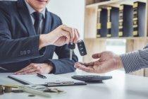 ผ่อนไม่ไหว อยากเปลี่ยนสัญญาเช่าซื้อรถยนต์ ทำอย่างไรดี?
