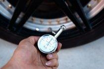 เกจวัดลมยาง เลือกแบบไหนดี ไว้มีติดรถ