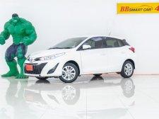 4U-139 Toyota YARIS 1.2 E รถเก๋ง 5 ประตู  ปี 2017
