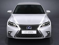Lexus CT200h 2017 ไมเนอร์เชนจ์ใหม่ เริ่มวางจำหน่ายในไทย เคาะราคาเริ่มที่ 1.999 ล้านบาท