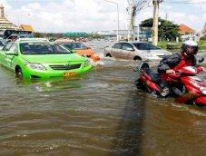 เผย! กรุงเทพฯ มีรถยนต์ถูกน้ำท่วมเป็นจำนวนมาก ถึง 3,184 คัน