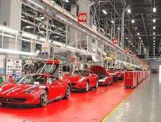 ลูกค้าเยอะ! Ferrari เพิ่มกะผลิตรถในโรงงาน