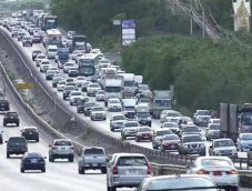 มิตรภาพรถติด!! ประชาชนทยอยกลับกรุงหลังสงกรานต์