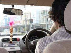 ชาวต่างชาติขับรถในไทย มีอะไรบ้างที่ควรรู้และปฏิบัติตาม