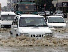 ขับรถลุยน้ำอย่างไรไม่ให้รถพัง พร้อมวิธีบำรุงรถหลังพาลุยน้ำท่วม
