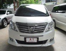 Toyota Alphard 2.4v ปี2012 สีขาว