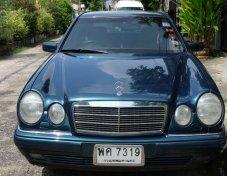 MERCEDES-BENZ E230 ราคาถูก