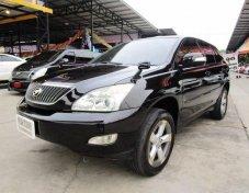 2006 LEXUS HARRIER 300 G เบนซิน สีดำ ออโต้ ซันรูป หลังคาแก้ว พวงมาลัยมัลติฯ เบาะหนังปรับไฟฟ้า กระจกข้างปรับไฟฟ้า  ไฟตัดหมอก รถสวย มาดูก่อนได้ครับสนใจดูรถ ทดลองขับหรือสอบถามรายละเอียดเพิ่มเติม และ รับป