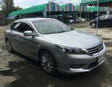 ฟรีดาวน์ ออกรถใช้เงิน 0 บาท Honda Accord ตัวTop 2.0 EL NAVI AT ปี2013