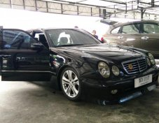 2001 Mercedes-Benz E240 Elegance sedan