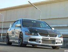 2005 Mitsubishi Evolution IX sedan