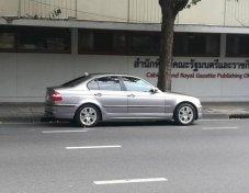 2002 BMW 323i SE sedan
