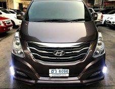 Hyundai H-1 ปี 2015 รุ่น 2.5 ดีเซล ไมล์ 35,000 โล