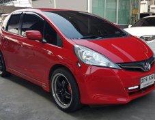Honda Jazz 1.5 V เกียร์Auto ปี 2013