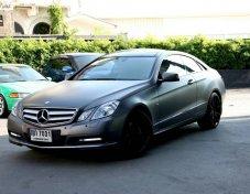 2011 Mercedes-Benz E200 CGI Sport coupe  หลังคาแก้ว คูเป้ขับเท่ห์ สปอร์ตดูดี สีเทาดำ