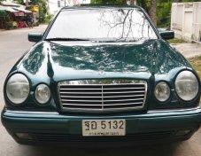 1996 Mercedes-Benz E230 Avantgarde sedan