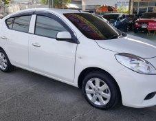 **ฟรีดาวน์** Nissan Almera 1.2 ES-AT ปี 12  สีขาว