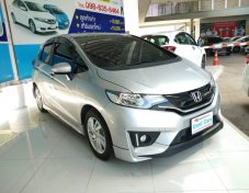 🌺🌺HONDA JAZZ 1.5 V + AT 2016