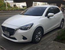 Mazda 2 Diesel ปี15 สีขาวมุก