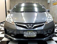 Honda Jazz1.5SV เบนซิน จดปี2013 รถบ้านเทิร์นป้ายแดง ฟรีดาวน์ ฟรีเคลือบแก้วครับ