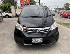 2013 Honda Freed SE hatchback
